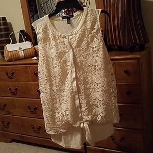French Laundry size 2X cream top
